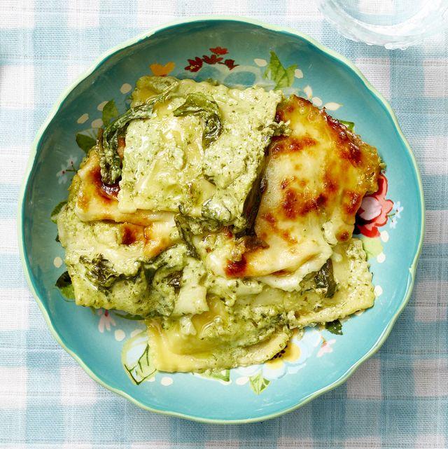 baked spinach ravioli with pesto cream sauce recipe
