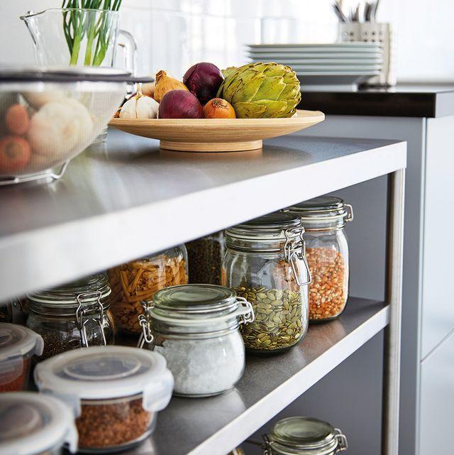 orden en la cocina tarros para los granos y especias