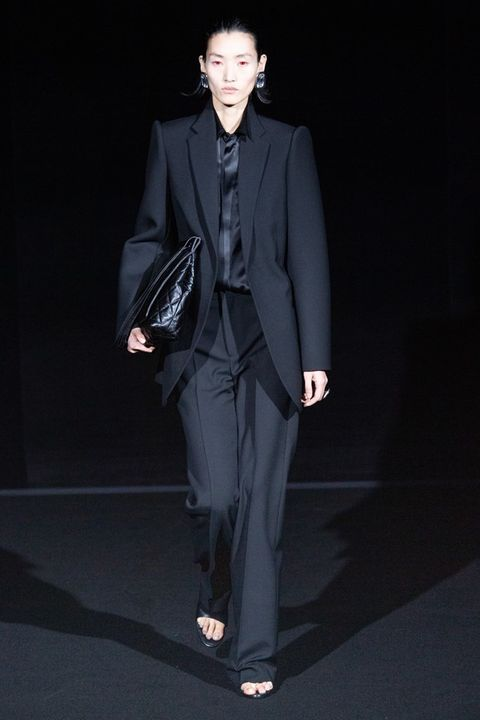 Suit, Clothing, Formal wear, Fashion, Fashion model, Tuxedo, Pantsuit, Human, Outerwear, Blazer,