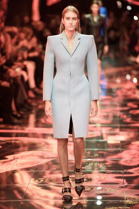 Balenciaga, Balenciaga Women SS 19, real time women SS 19, primavera estate 2019, Paris fashion week, PFW, fashion week