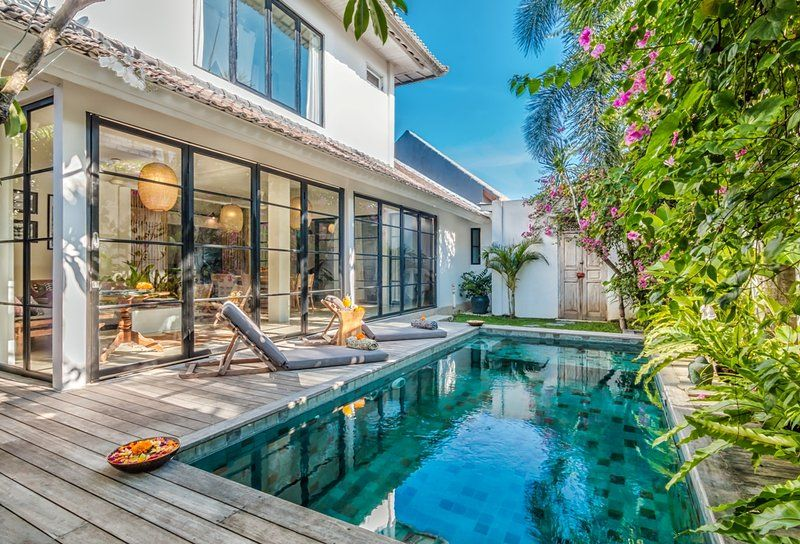 a302573ea7 18 of the most luxurious group villas and apartments for your 2018 girls  holiday