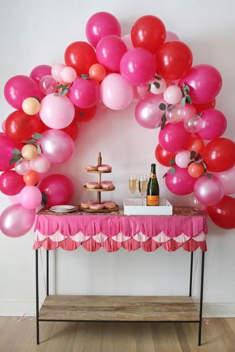 balloon arch valentine's day party ideas