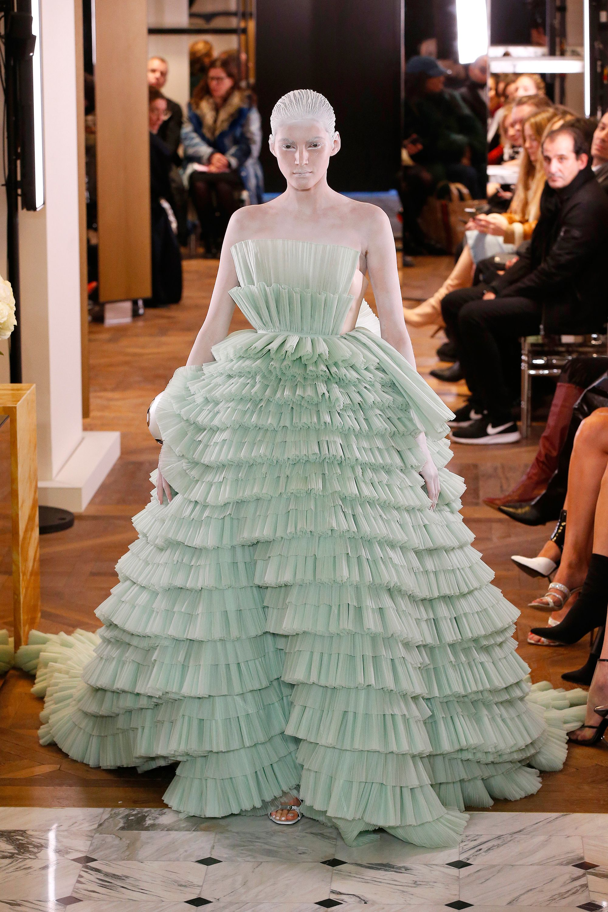 1b17baf1c6a4 Best of haute couture fashion week spring 2019 – Couture catwalk highlights