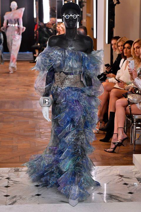 Fashion, Fashion model, Haute couture, Fashion show, Runway, Dress, Fashion design, Fun, Event, Gown,