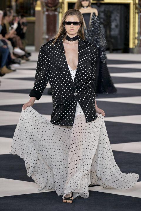 Fashion, Street fashion, Fashion model, Clothing, White, Black, Polka dot, Pattern, Black-and-white, Eyewear,