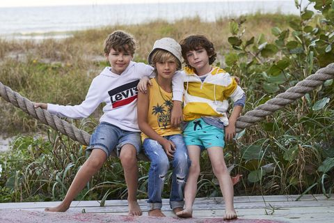 bambini-moda-mare-estate-2019-levis-kids