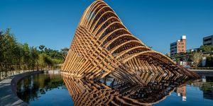 El Pabellón de Bambú, una sala de exposiciones construida en bambú por Zuo Studio.