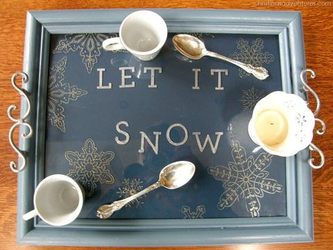 Blackboard, Placemat, Font, Tableware, Serveware, Calligraphy, Tray, Table, Spoon, Cutlery,
