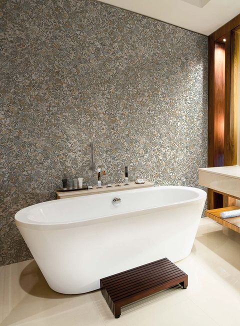 Bathroom, Tap, Room, Wall, Bathtub, Property, Bathroom sink, Tile, Interior design, Plumbing fixture,