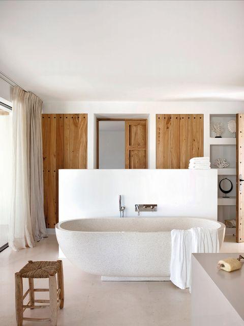 renueva el cuarto de bano  bañera exenta