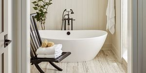 Bañera de estilo rústico-chic