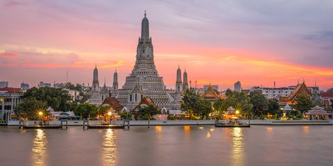 Landmark, Sky, Temple, Tower, Building, Wat, Place of worship, Evening, City, Cityscape,