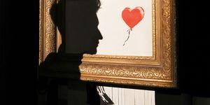 Banksy l'autodistruzione di Girl with ballon e la mercificazione dell'arte
