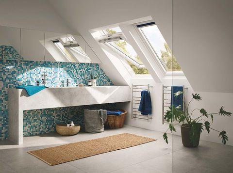 Ventanas de tejado Velux, baño abuhardillado