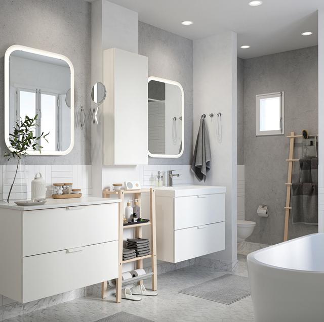 baño decorado en color blanco
