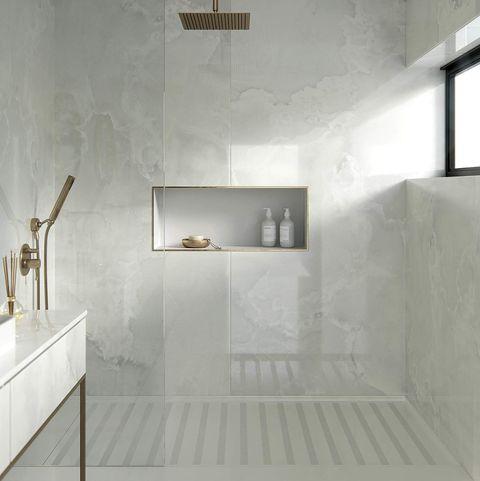 baños modernos ducha con revestimiento dekton®