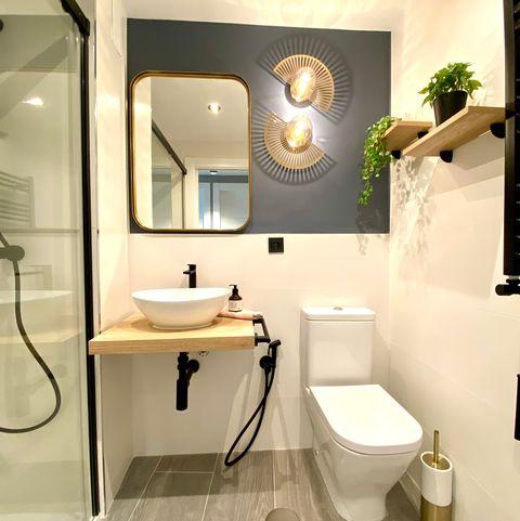 baño con ducha de obra decorado con estilo art déco