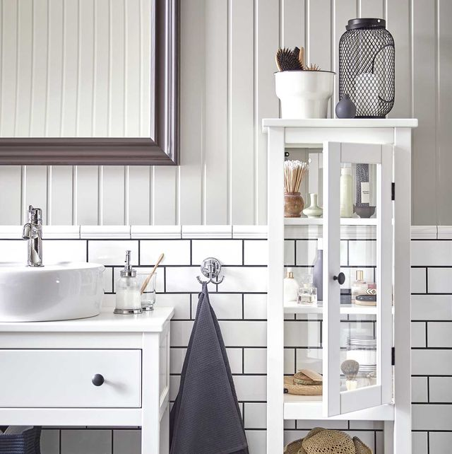 ordenar un piso compartido baño moderno blanco