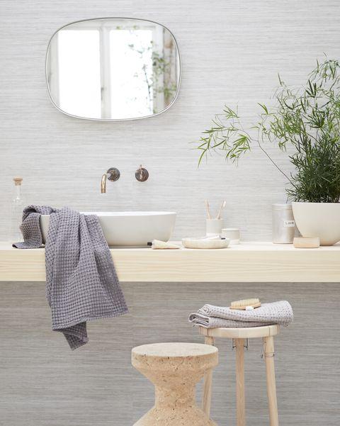Baño decorado en madera de estilo rústico chic e industrial