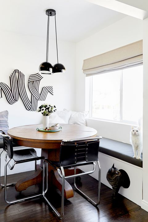 dining nook with catr friendly design