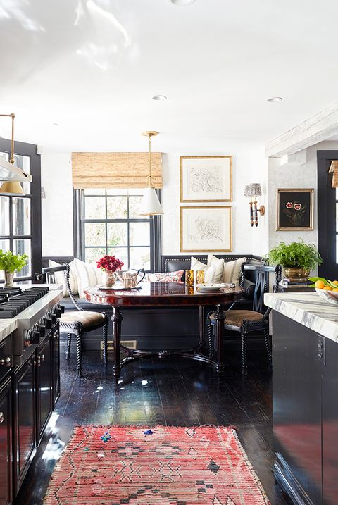 contemporary english countryside kitchen with banquette