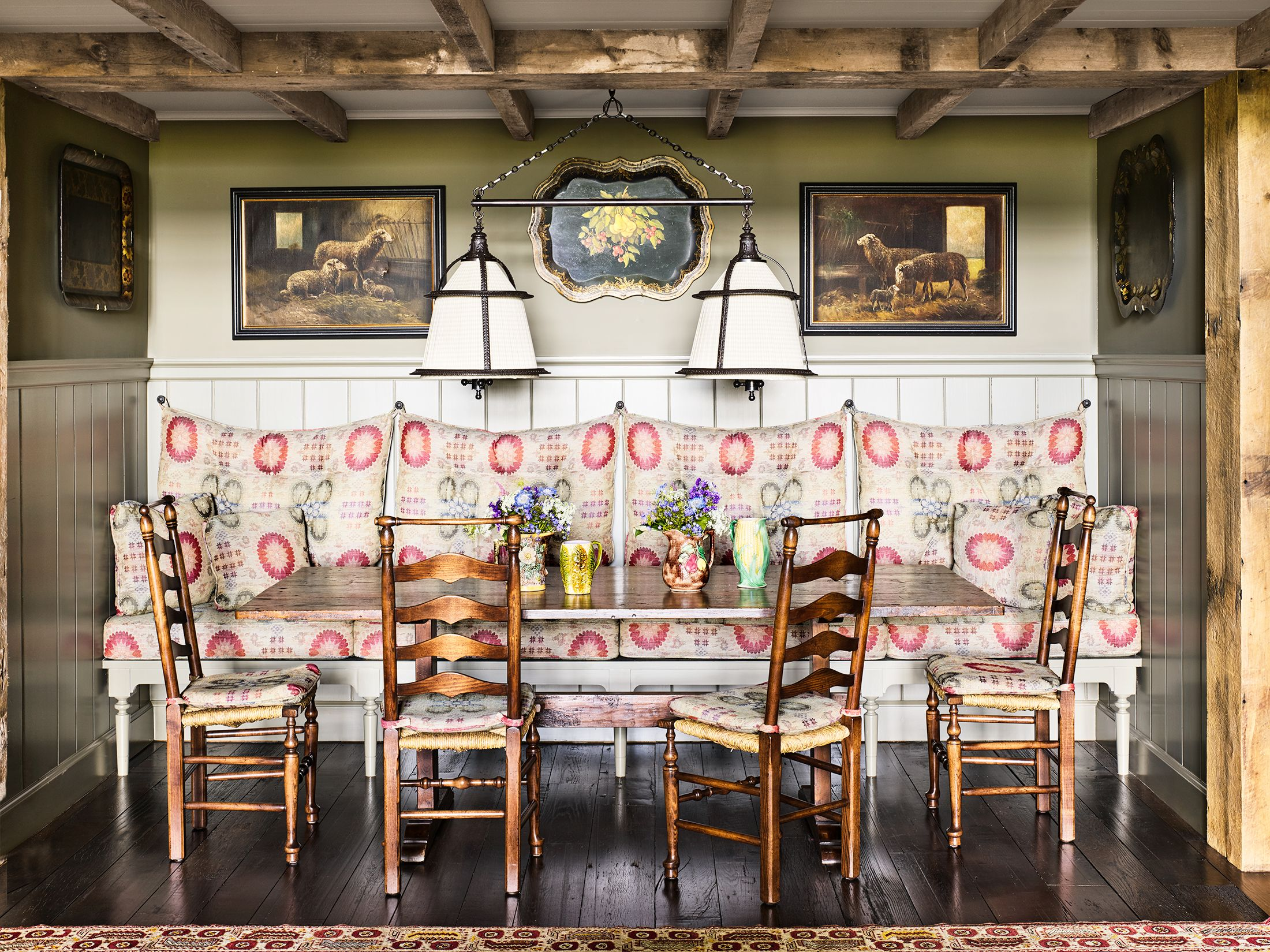 15 Banquette Seating Ideas to Dramatically Elevate Your Dining Nook