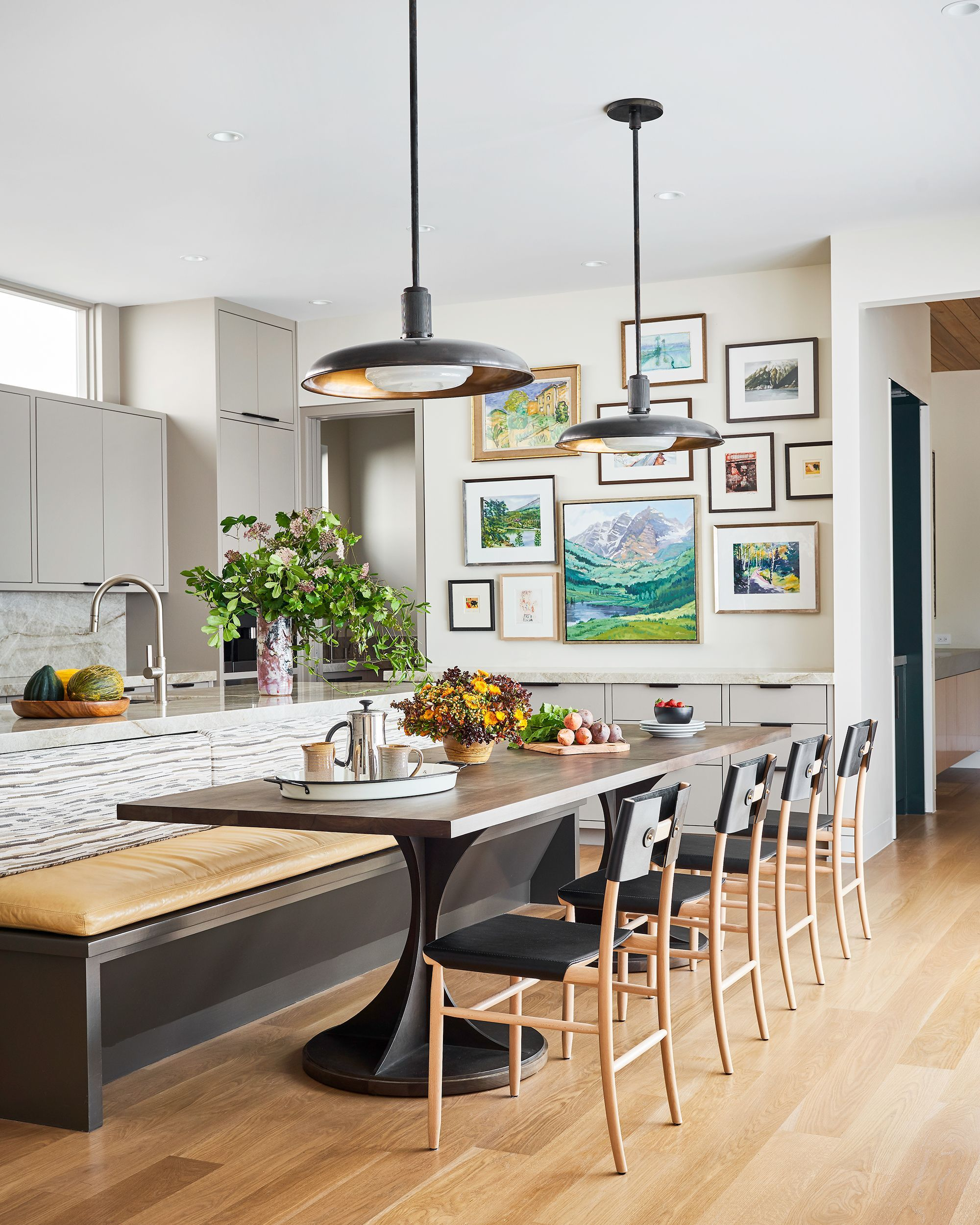 15 Stylish Banquette Seating Ideas, Built In Banquette Seating Dining Room