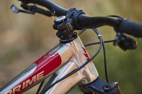 Bicycle part, Bicycle wheel, Bicycle, Bicycle handlebar, Bicycle frame, Hybrid bicycle, Vehicle, Road bicycle, Bicycle tire, Bicycle accessory,