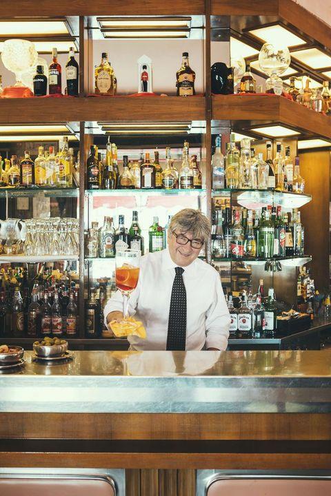 Bar, Barware, Distilled beverage, Bartender, Liqueur, Building, Drink, Alcohol, Liquor store, Pub,