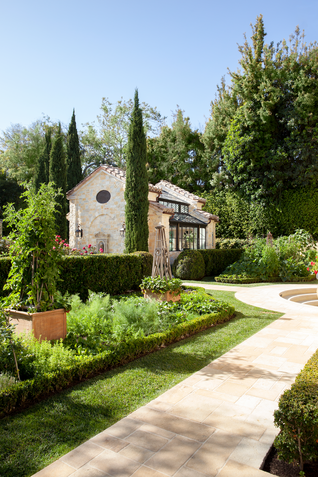 12 Beautiful French-Style Gardens - Best French Garden Designs