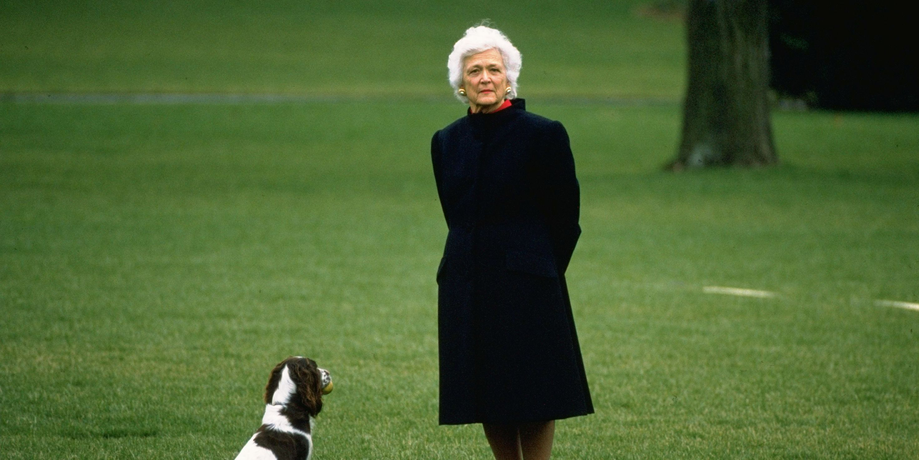 barbara bush on the white house lawn