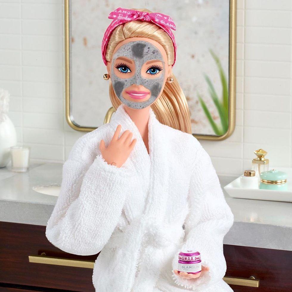 Barbie quiere que hidratemos nuestra piel con su propia línea de cuidado facial