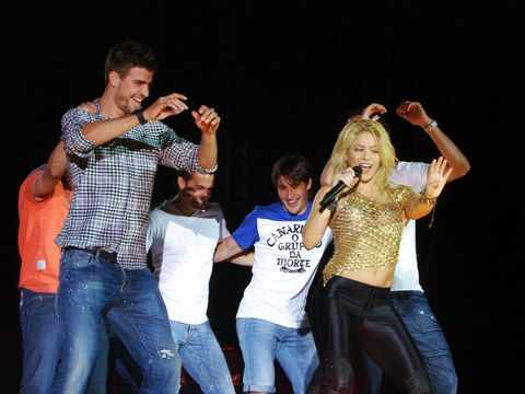 Gerard Pique Goes On Stage In Shakira's Concert
