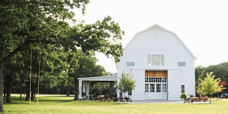 40 Best Barn Wedding Venues That Are Perfect for a Rustic Celebration