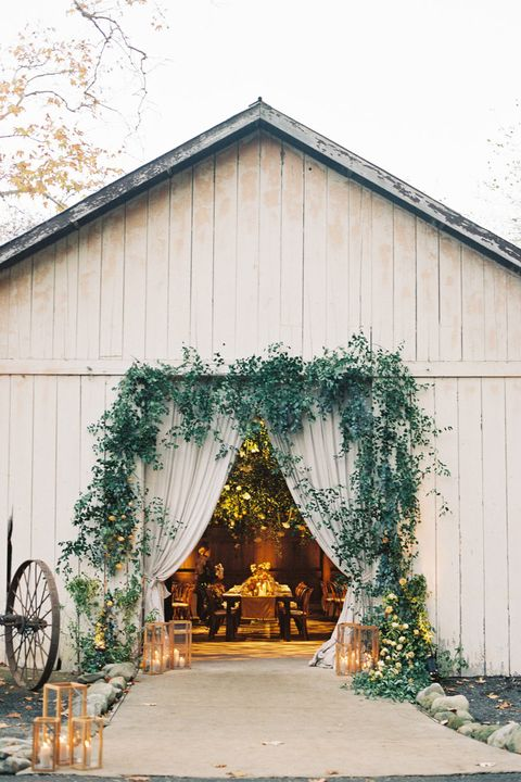 40 Rustic Barn Wedding Venues Charming Country Wedding Venues