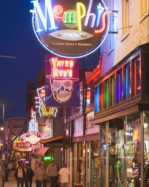 bars and shops on beale street in memphis
