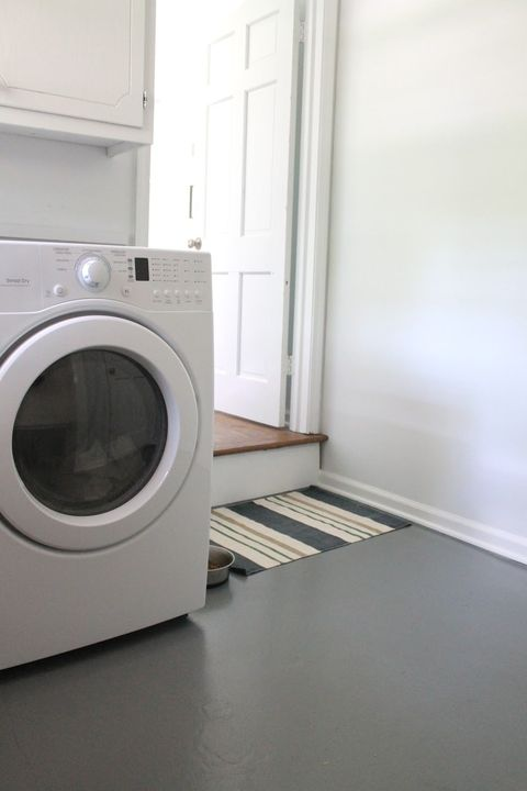 Washing machine, Major appliance, Laundry room, Clothes dryer, Laundry, Home appliance, Property, Room, Floor, Flooring,