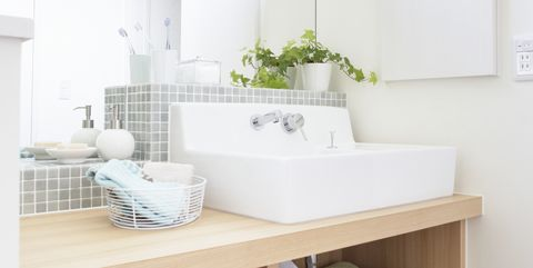 White, Room, Furniture, Property, Interior design, Bathroom, Floor, Ceiling, Building, Architecture,