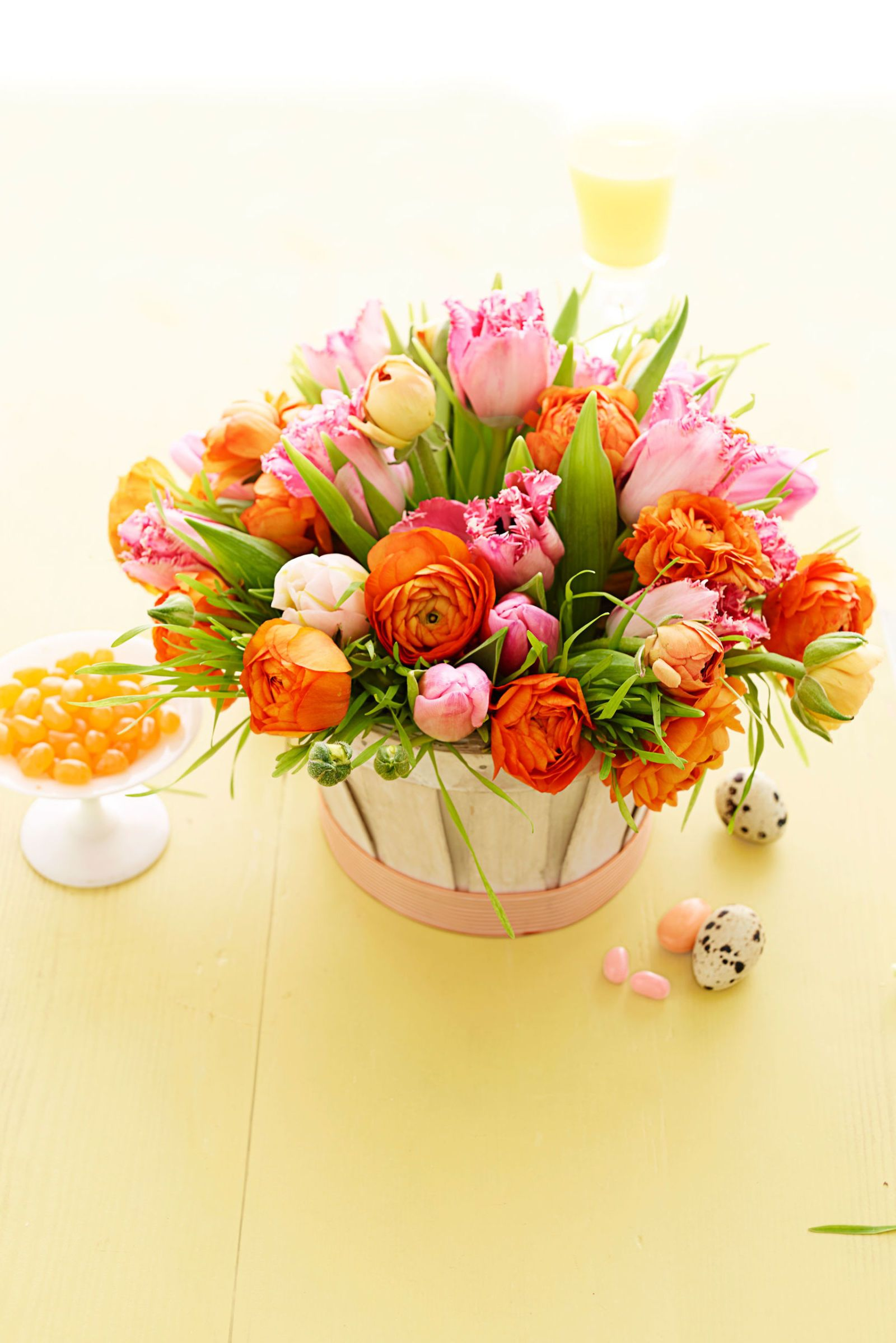15 pretty easter flower arrangements best easter flower centerpieces mightylinksfo