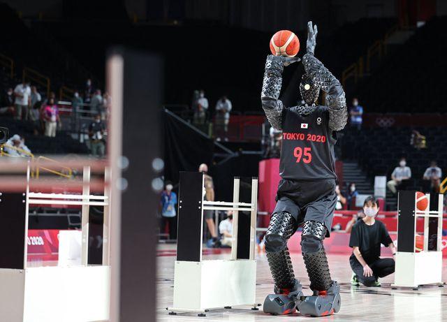 el robot japonés que marcó todos los tiros a canasta en el partido eeuu   francia