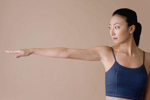 手臂畫圓 消副乳運動