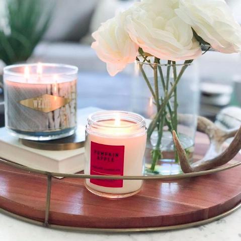 Candle, Lighting, Table, Centrepiece, Flower, Room, Interior design, Petal, Plant, Rose,