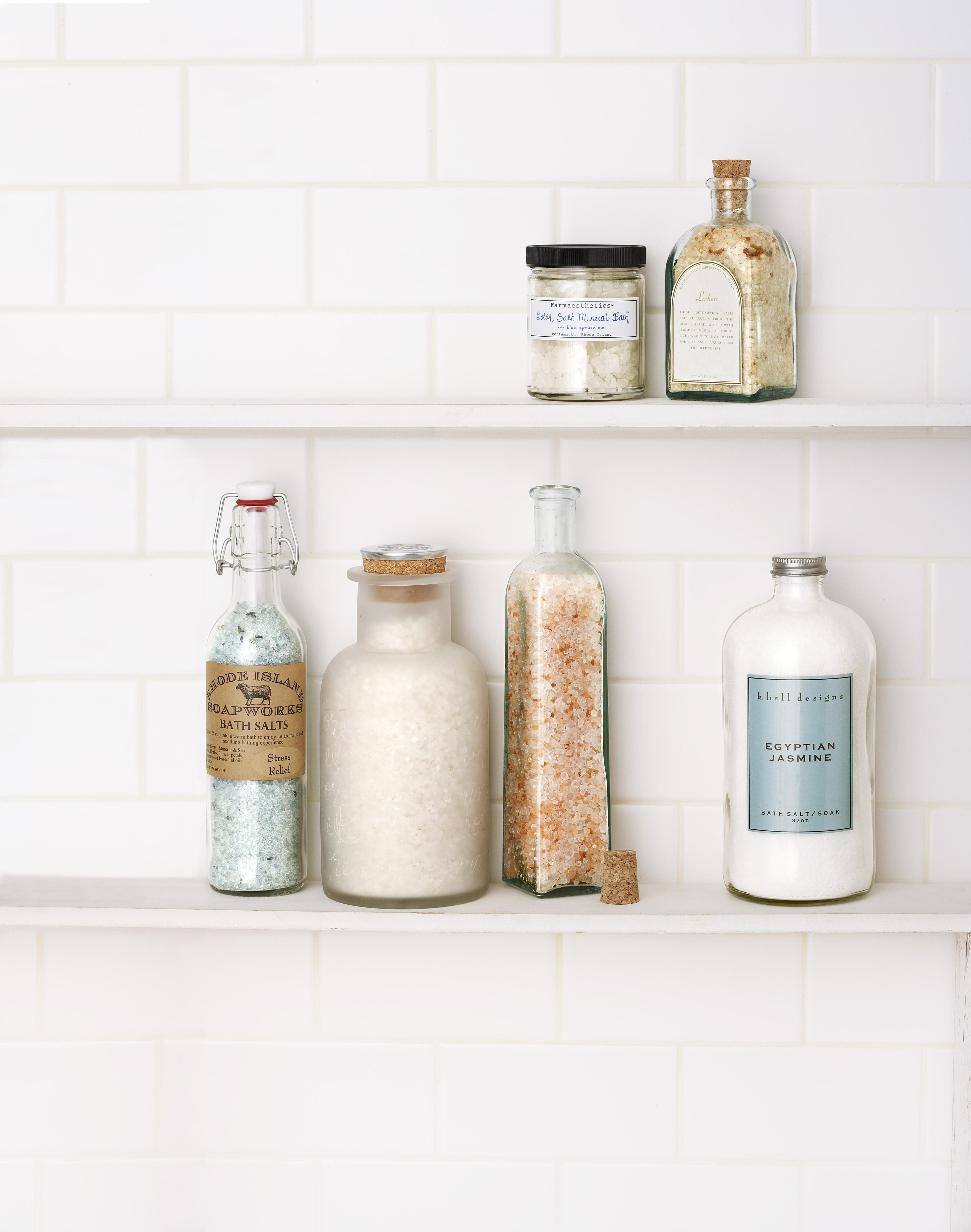 10 Bathroom Decorating Ideas - Pictures of Bathroom Decor and Designs