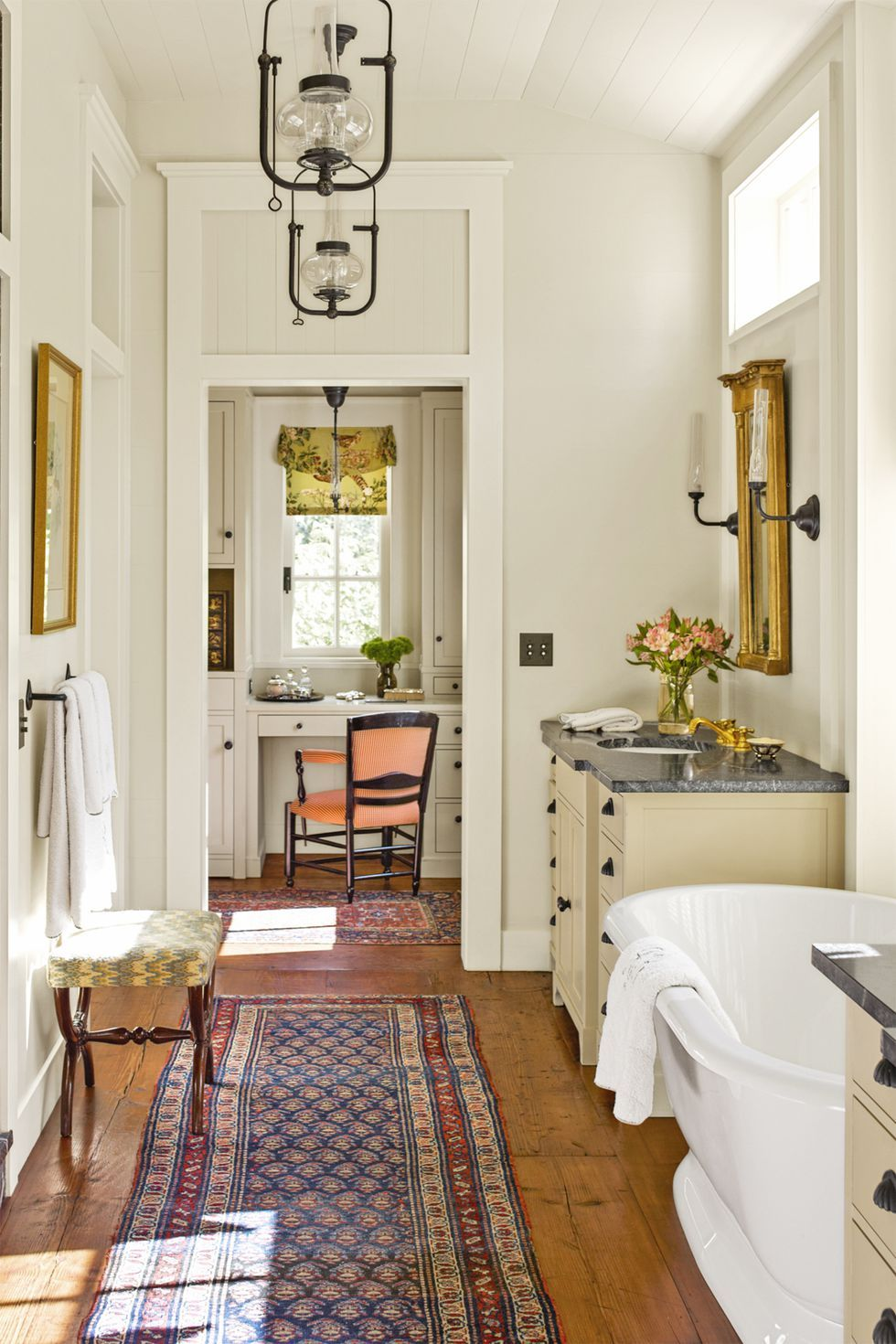 Decorating Themes For Bathrooms
