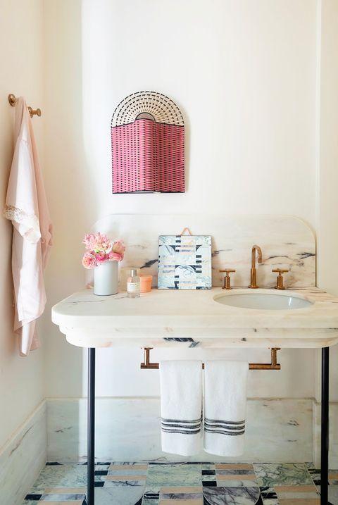 Pink Romantic Bathroom Designs