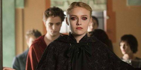 Batman Robert Pattinson Dakota Fanning
