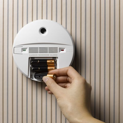 How To Turn Off Smoke Alarm How To Stop The Smoke Detector From Beeping
