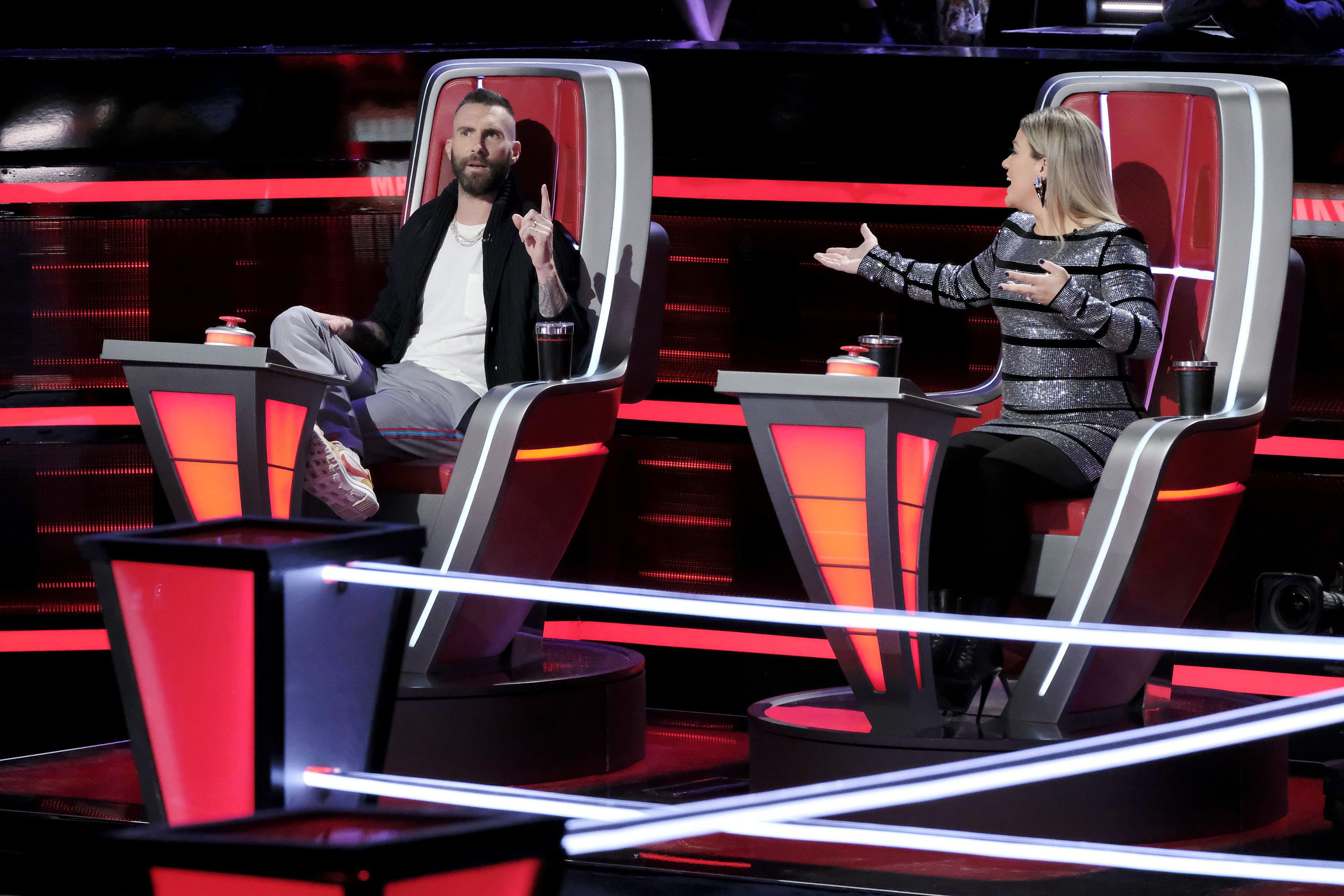 'The Voice' Coaches Kelly Clarkson and Adam Levine Bonded Over the Grossest Habit