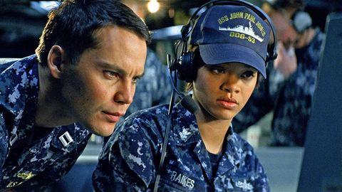 Battleship (2012) Rihanna y Taylor Kitsch