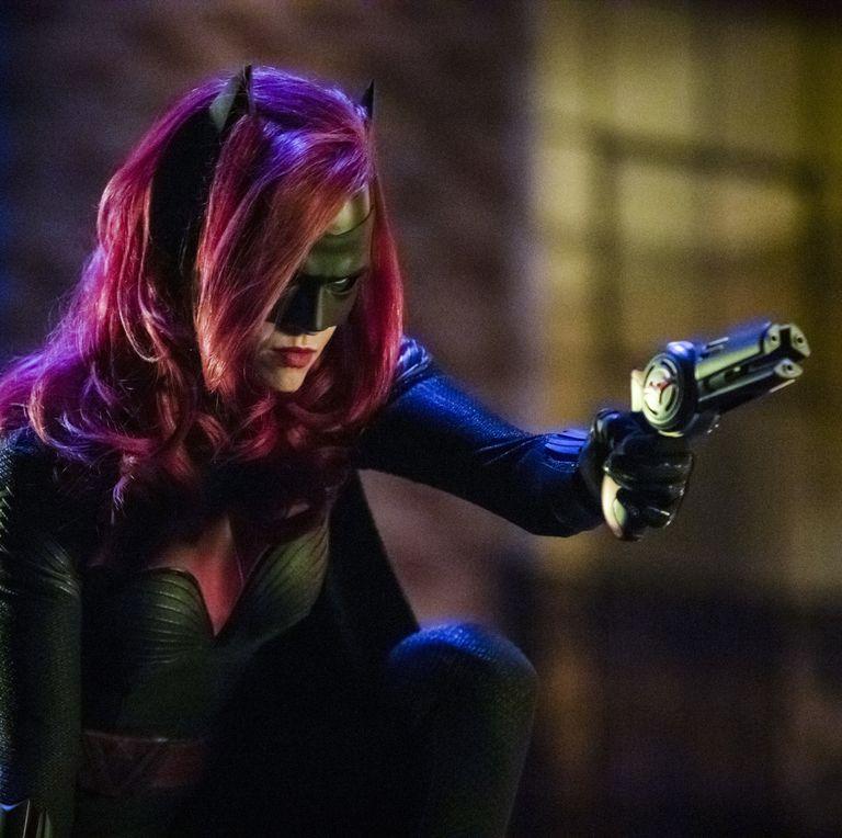Бэтвумен 2 сезон дата выхода